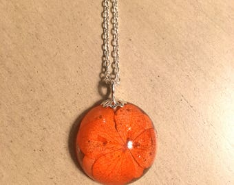 Orange Walleriana Flowern Pendant, resin jewelry, botanical jewelry, pressed flower jewelry, real flower jewelry