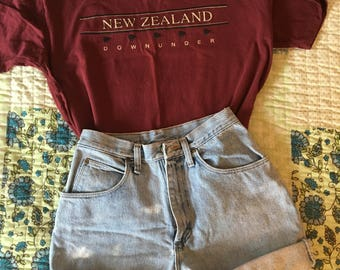 "Vintage New Zealand ""Down Under"" T Shirt"