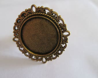a golden cabochon 20 mm Adjustable ring finding