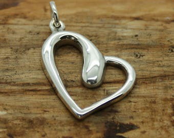 Sterling Silver Heart Pendant  with free chain (M9)