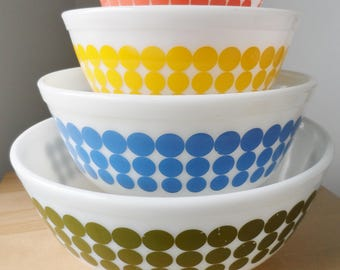 Pyrex New Dot Mixing bowls, 400 setof 4 , green, orange, yellow and blue
