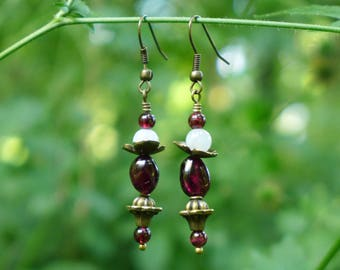 Bronze earrings, Garnet and Moonstone