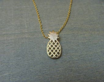 Golden delicious pineapple necklace