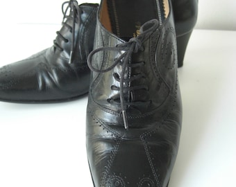 Vintage Leather lace up shoes, broque shoes in size 36.5/uk 3,5/5.5 us