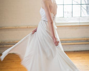 Jule / Sweetheart neckline wedding dress with lace-down bodice, chiffon skirt & court length train