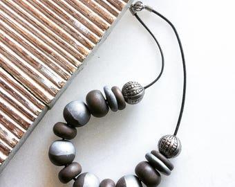 Original necklace and metallic bronze color