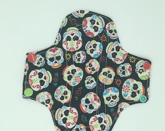 Regular wide cloth pad with wings and snaps