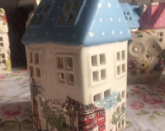 Handmade cath kidston Billy in london with painted spot roof