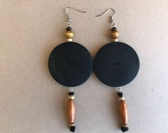 earring,long earring,light weight earring,dangle earring,drop earring,beaded earring,black earring,wooden earring