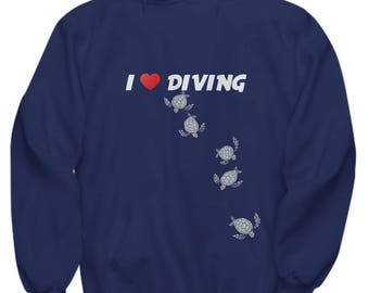 I Love Diving With Turtles - Awesome Diving Hoodie - Awesome Gift Idea for Divers and Turtle Lovers