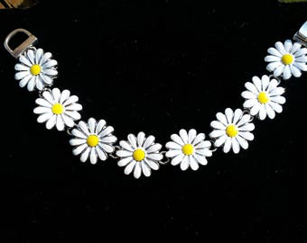Daisy Floral Charm Bracelet - White and Yellow