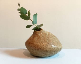 Small Oatmeal Pebble Bud Vase