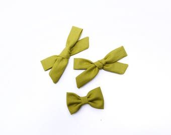 Chartreuse Green Bow | baby headband bows, baby hair clips, baby hair accessories, baby headband set, hair bows, newborn headband, green bow