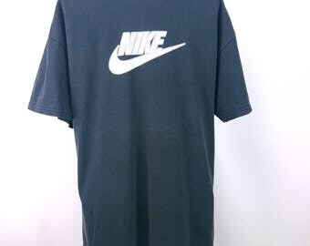 Nike T-shirt 90s Throwback Sporty Streetwear Hip Hop