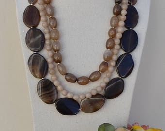 Brown Agate Necklace. Natural stone.
