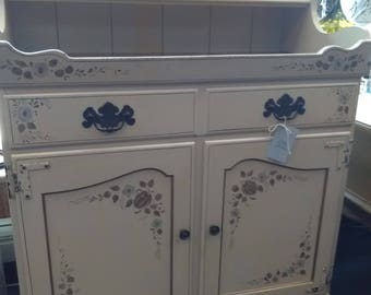 Ethan Allen Dry sink with Country Embellishments