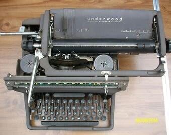 Vintage 1950's Underwood Typewriter Working