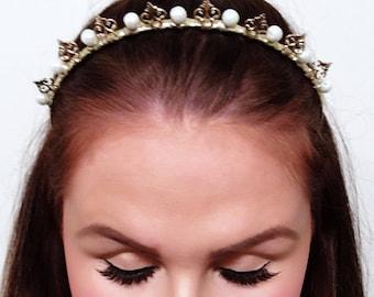 Gold crown,pearl Crown, petite crown, metal crown, gold headpiece, headpiece, pearls,  facinator.