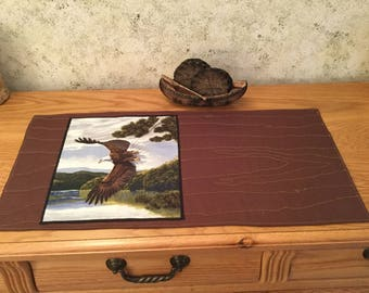 Eagle Quilted Wood Grain Table Runner Wall Hanging Log Cabin