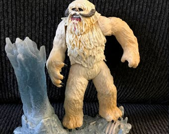 Star Wars loose Wampa and base