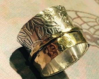 Embossed floral Design Two Tone Spinner Ring