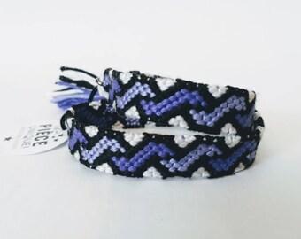 model: Crocuses in Meadowsweet (friendship bracelet 10 wires)