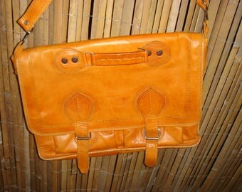 Satchel made of leather very good condition