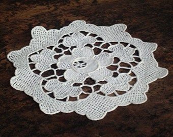 Handmade Needlelace Doily Round Doily 1930's All Hand Made Classic White Fine Needle Lace Round Doily 1930s