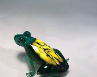Color glass frog