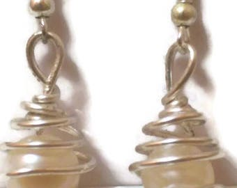 Caged gem drop earrings - freshwater pearl (example)