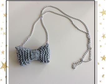 Necklace loop knit