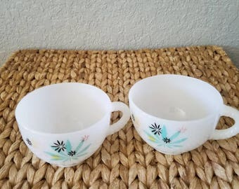 Set of 2 tea cups