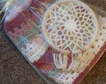 Cosy stripe crochet blanket and dreamcatcher set
