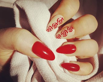 False Nails - Painting the Roses Red Manicure Set
