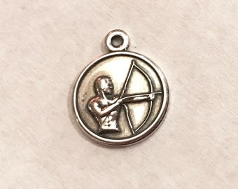 Vintage Small 925 Sterling Silver Archery Bow and Arrow Pendant