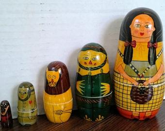 Nesting Dolls Wizard of Oz Dorothy Scarecrow Lion Tinman Flying Monkey