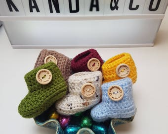 Baby favor booties (pack of 6 pairs)