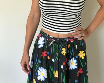 Vintage 1970s Black Floral Skirt/ Flower Power/ Tie Waist/ Below The Knee/ Cotton/ Hipster/ Daisy/ Maxi/ Side Pockets