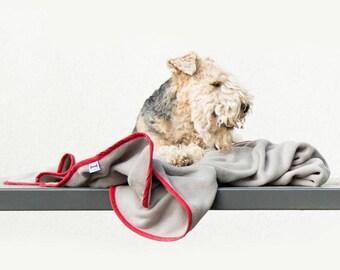 Purplebone Fleece Dog Blanket