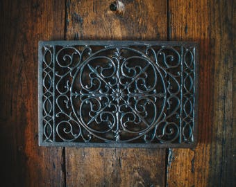 Cast Iron Rectangular Table Trivet with a Beautiful Swirl Design Hot Plate Stand