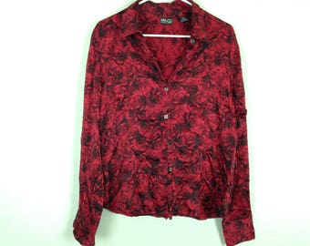 Red rose button up shirt size M/L