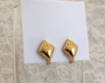 Monet Gold Tone Puffy Diamond Shape Clip Vintage Earrings