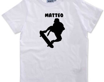 T-shirt boy skateboarding personalized with name
