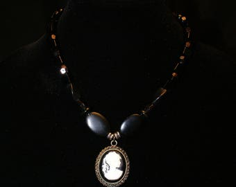 Choker necklace with antique pendant