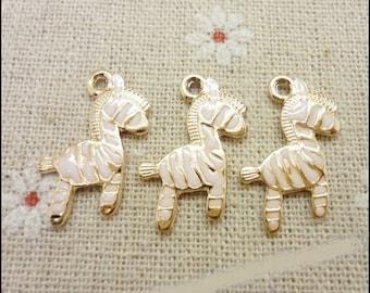 5 charms small Golden Zebra glazed white, 21 * 16mm