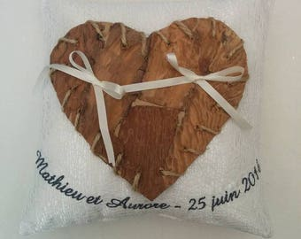 wedding ring bearer pillow / ring holder with heart in natural wood