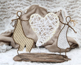 "Miniature decorative theme ""Les amoureux"" kraft and recycled wire."