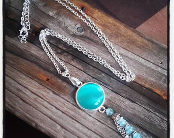 Green cabochon and bunch of beads/silver pendant necklace