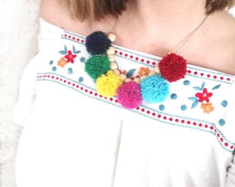 Bib necklace tassel