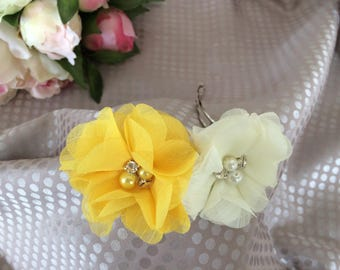 Barrette hair clip with yellow and ivory flowers